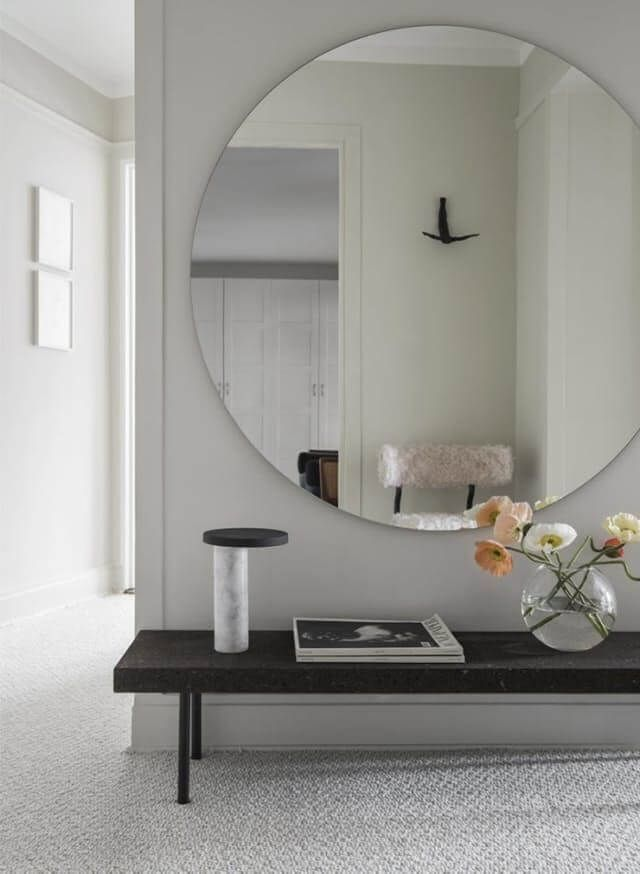 Love this! Huge mirror, low bench.