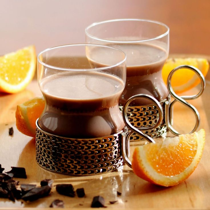 More like this: hot chocolate , oranges and chocolates .