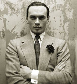 A young Yul Brynner. Such a sensual looking man. Beautiful lips.