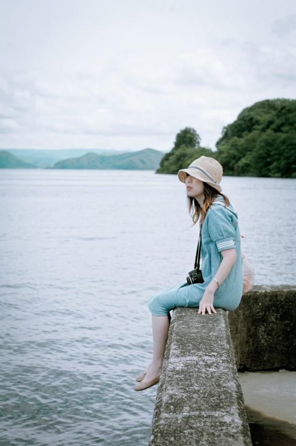 Mori girl by the sea