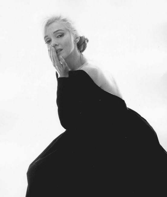 Out of all the pictures of Marilyn I find this one the most haunting.