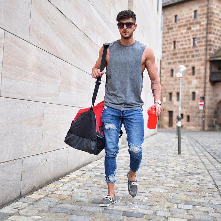 """2,875 mentions J'aime, 145 commentaires - Markus Enriquè (@_donthiago_) sur Instagram : """"V.A.N.S. ✌ ____________________________________________ #fashion #fashionblog #fashionista…"""""""