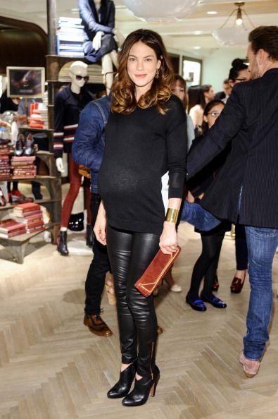 michelle monaghan maternity leggings and dovers on pinterest