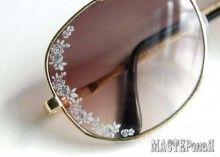 Украшаем солнечные очки наклейками для ногтей