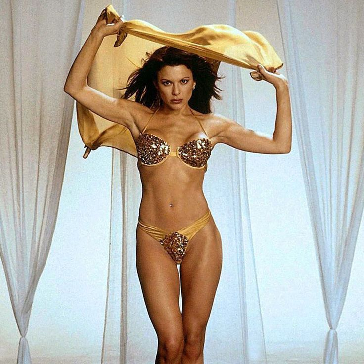 Kari Wuhrer nackt, Oben ohne Bilder, Playboy Fotos, Sex Szene