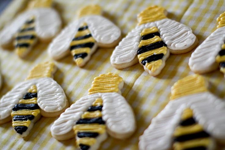 bee cookies: Bees Baby, Sugar Cookies, Foodies Ideas, Jenny Cookies, Bees Parties, Bees Cookies, Bumble Bees, Honey Bees, Baby Shower