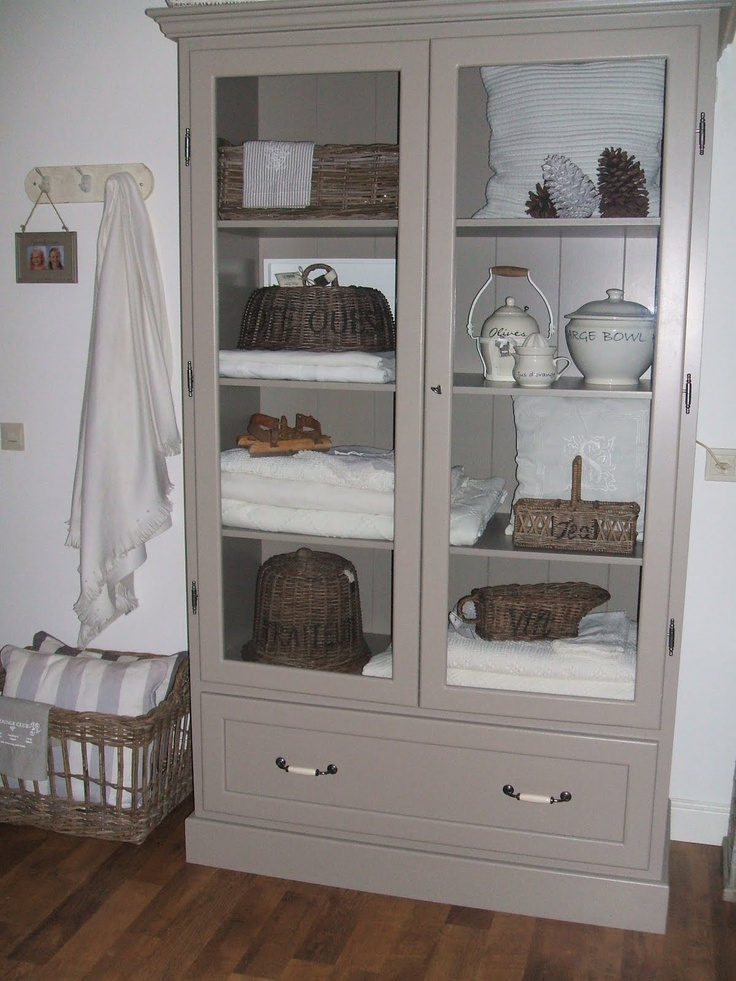 Landelijk kast in taupe kleur wonen pinterest search love and taupe - Kleur taupe ...