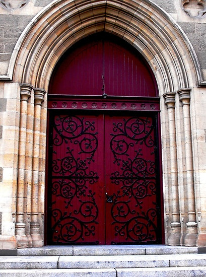 Dark Red Door & 76 best Gothic and Awesome Doors images on Pinterest | Windows ... Pezcame.Com