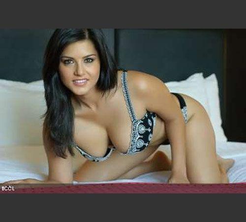 Sunny Leone posing in bikini