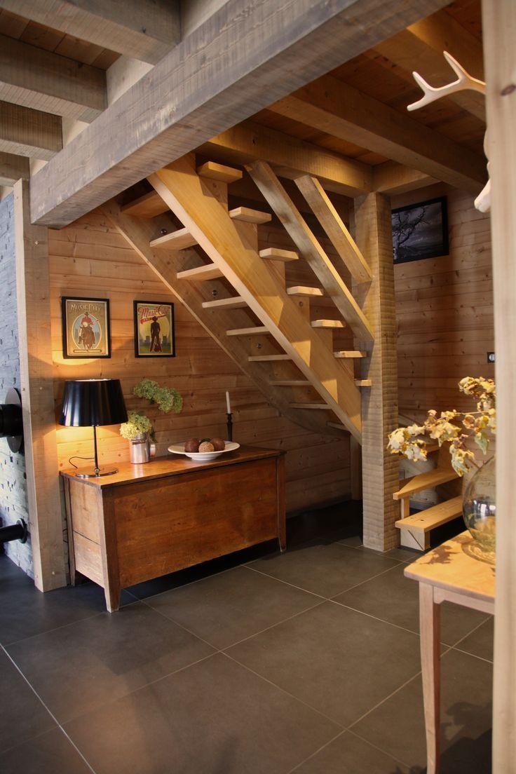 Escalier En Bois Réalisé Dans Un Chalet Traditionnel De
