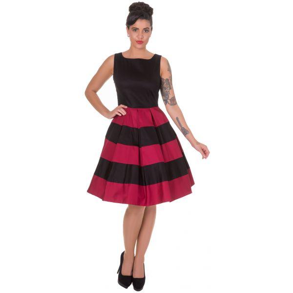 Šaty Dolly and Dotty Anna Stripe Black Burgundy Skvělé šaty za ještě lepší cenu, které prostě musíte mít! Šaty vhodné pro slavnostnější příležitost jako je ples, večírek, narozeninová oslava, do divadla, ale stejně tak do pro zaměstnané dámy. Střih ve stylu Audrey s lodičkovým výstřihem, rozšířenou sukní s pravidelnými sklady, která je tvořená širokými pruhy v černé a burgundy - vínové barvě. Kvalitní silná strečová bavlna (95% bavlna, 5% elastan) zajistí příjemné nošení, zapínání na krytý…