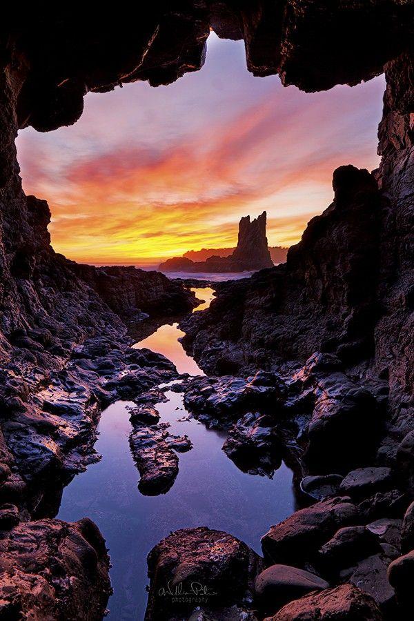 Sunset sea cave, Kiama, NSW, Australia