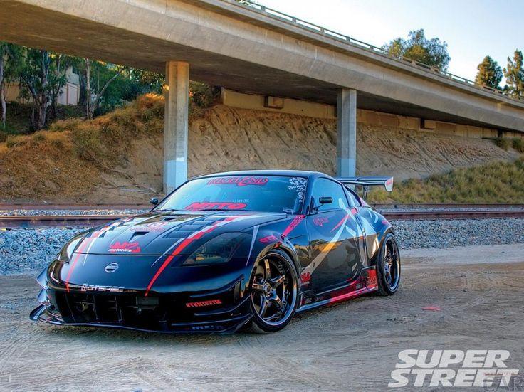 Photo agressif effronté voiture Nissan 350Z