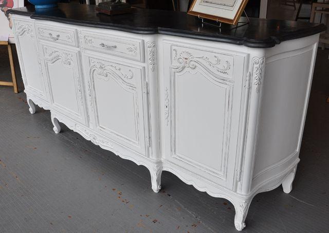 Buffet repeint blanc relooking meuble ancien