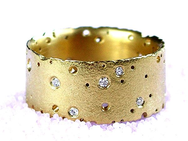 'Precious' Ring in 18ct gold with diamonds, Kate smith