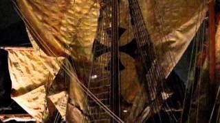 La terza repubblica fu Genova che, dal X secolo, si distinse per la Compagna, una grande associazione di mercanti e marinai che governava la città e amministrava i beni del Comune. Dopo la battaglia con Pisa (vedi sopra) rimase l'unica padrona del mar Tirreno e del Mediterrano occidentale, tuttavia la rivalità con Venezia segnò la sua fine: nel XIV secolo, dopo quasi duecento anni di aspre battaglie, Genova fu costretta a riconoscere la supremazia veneziana.