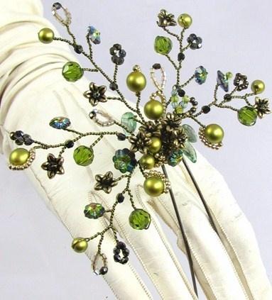Green leaf head pin