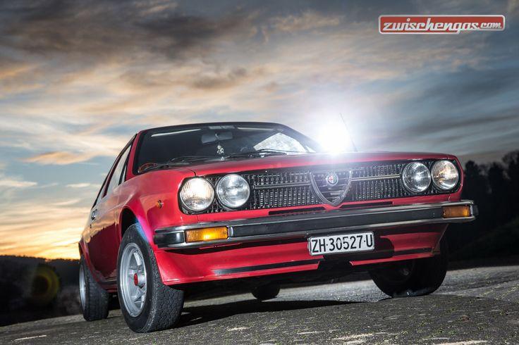 Sie sind nicht gerade so selten wie eine blaue Mauritius, aber im Strassenverkehr dürfte einem kaum je ein Alfa Romeo Alfasud Sprint der ersten Generation begegnen: http://www.zwischengas.com/de/FT/fahrzeugberichte/Alfa-Romeo-Alfasud-Sprint-Coupe-Bellezza-mit-Schottenkaro.html?utm_content=bufferf3940&utm_medium=social&utm_source=pinterest.com&utm_campaign=buffer  Foto © Daniel Reinhard