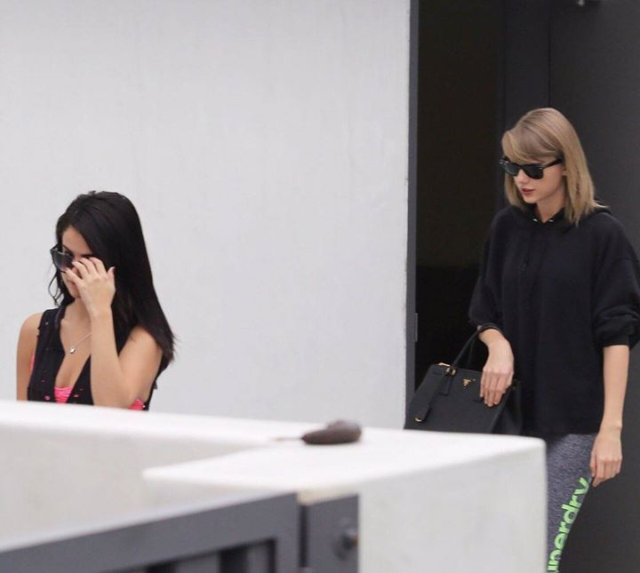 Sharing a new gram // Taylor and Selena going to the gym together in LA (01/18/16) -Mari #taylorswiftupdates - - - #taylorswift #taylor #swift #swifties#selenagomez #swiftie#1989#shakeitoff#1989worldtour#the1989worldtour @taylorswift @taylornation by official.taylor.swift