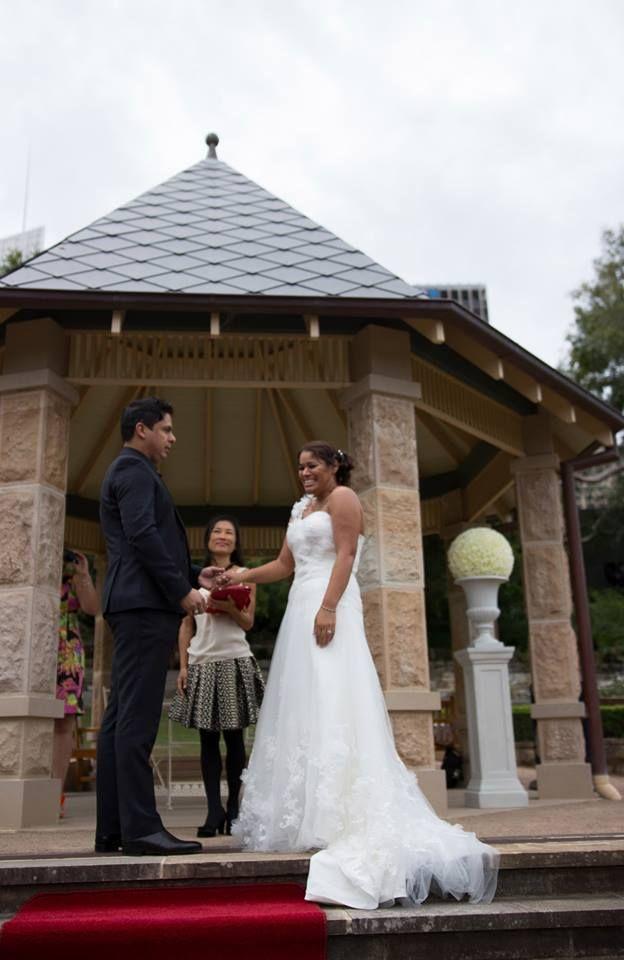 Sharon and Jason's wedding at the herb garden, Royal botanic garden