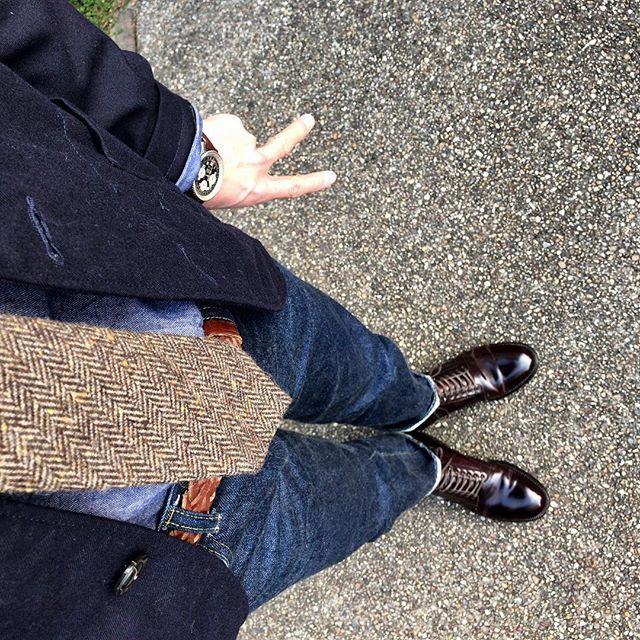 2016/12/09 15:48:54 tk_2sharma 【2016.12.09】 今日は娘の幼稚園の発表会でした ✳︎ 歌も器楽も選曲が絶妙で、ま〜泣ける泣ける(嫁が) ✳︎ 長女から続けて6回目のこのイベントも、今年が最後 ✳︎ う〜ん感慨深い☺️ そりゃ私も歳とるワケだ✌️ ✳︎ jacket : #engineeredgarments  shirt : #gitmanvintage  necktie : #muji  belt : #whitehousecox  pants : resolute711  shoes : #alden  watch : #breitling  ✳︎ #エンジニアードガーメンツ #エンジニアドガーメンツ #bedfordjacket #無印良品 #無印 #リゾルト711 #resolute #リゾルト #オールデン #コードバン #cordovan #ブライトリング #navitimer #ナビタイマー #madeinusa #madeinjapan