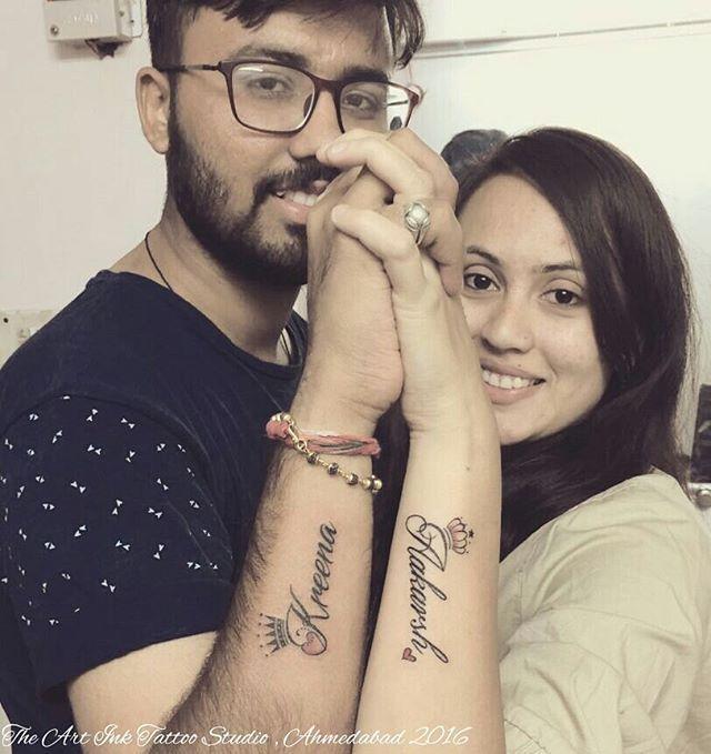 Couple tattoo #name #crown  #coupletattoo #nametattoo #aakarsh #kreena #tatt #tatttoos #tattooed #tattooartist #tattooshop #ink #ahmedabad #india #theartinktattoostudio #ketanpatel.