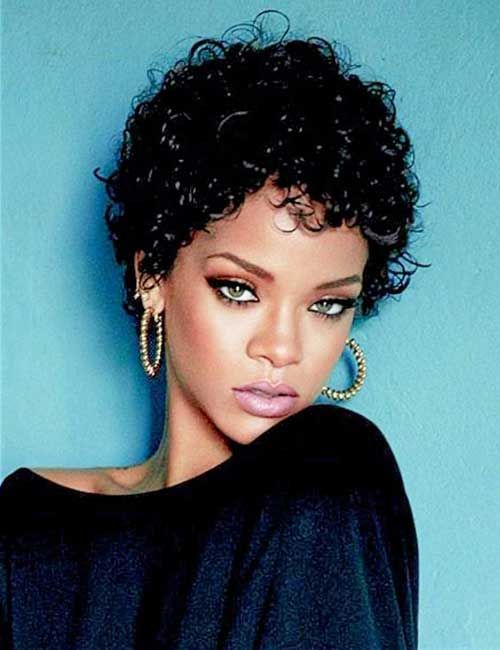 Quite nice short curly hair Pics of Rihanna //  #Curly #Hair #Nice #Pics #Quite #Rihanna #Short