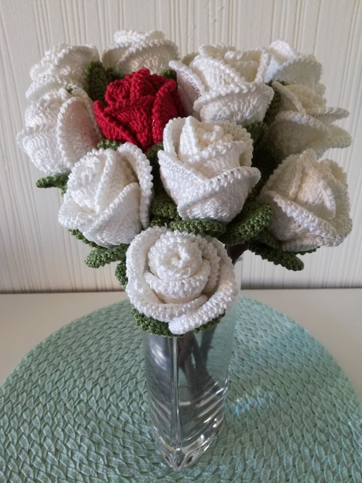 Crochet white roses to my sister