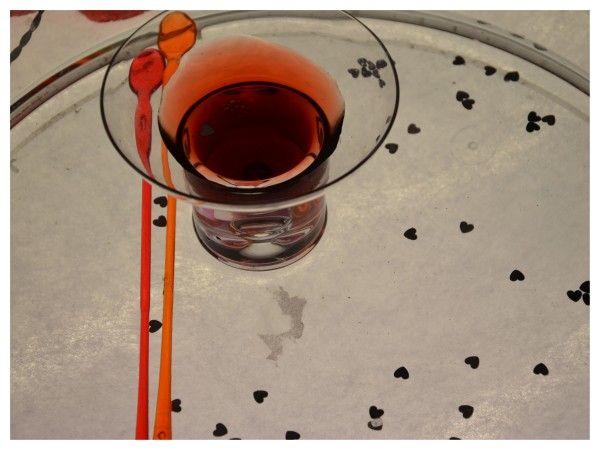 philtre d'amour sur la table lumineuse(saint valentin)