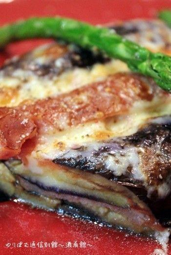 茄子とソーセージのミルフィーユ。       ソーセージの旨味が茄子にぎゅっと入るので、ぜひお好みの美味しいソーセージで作ってみて下さい^-^