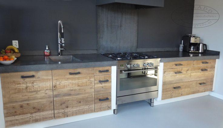 Steigerhouten Keuken Met Betonnen Blad : steigerhouten keuken met betonnen blad
