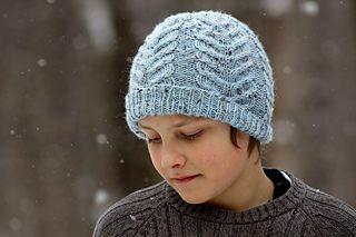 Antler knit hat pattern by @tincanknits on ravelry! #knithat
