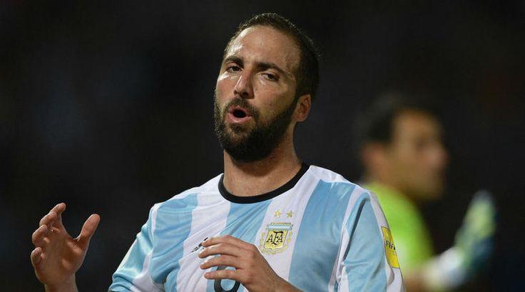 Saviola backs Higuain to regain Argentina fans trust