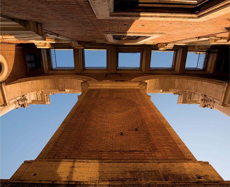 Vista della controfacciata dal basso. Fotografie - Renato Cerisola © 2009 INAIL Tutti i diritti riservati