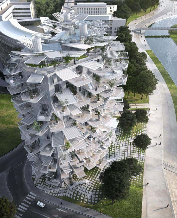 由Sou Fujimoto(藤本壯介)、Nicolas Laisné及Manal Rachdi Oxo三位建築師主理的「White Tree」建築項目,早前在法國蒙彼利埃市舉辦的建築設計大賽中獲選為「21世紀瘋狂建築作品」。它結合了日本和地中海的設計風格,提供共120個單位、餐廳、藝術畫廊及辦公室,每個單位內的伸延露台更是當中的亮點,增加戶外空間,外觀上就如樹木結構般,預計於2017年正式落成。