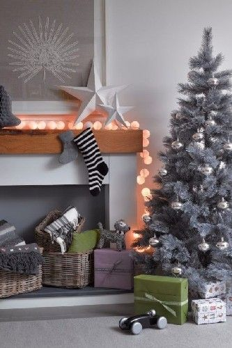 Grey Xtmas Tree - MODERN CHRISTMAS DECORATING IDEAS FOR YOUR LIVING ROOM - See more at: http://delightfull.eu/blog/2015/12/09/modern-christmas-decorating-ideas-living-room/