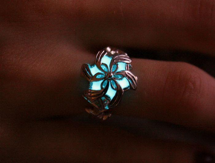 ring glow in the dark designer schmuck amulette keltischer schmuck vintage schmuck leuchtend silber