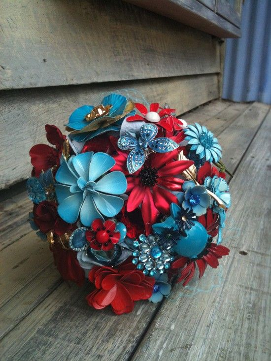 craft ideas for vintage brooches - Google Search: Brooch Bouquets, Brooches, Vintage Wedding, Wedding Ideas, Wedding Bouquets, Color, Wedding Stuff, Flower