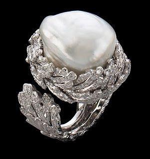 Beautiful pearl ring, buccellati gioielli ; Gianmaria Buccellati anello