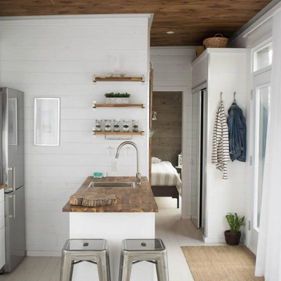 Billy is 408 sq2, suitable to welcome a small family. Its clever interior design includes a closed bedroom, a top of the range kitchen, a spacious living room and a lot of storage space. Enjoy the coziness of your home, where you can relax and feel a little… #RangesKitchen