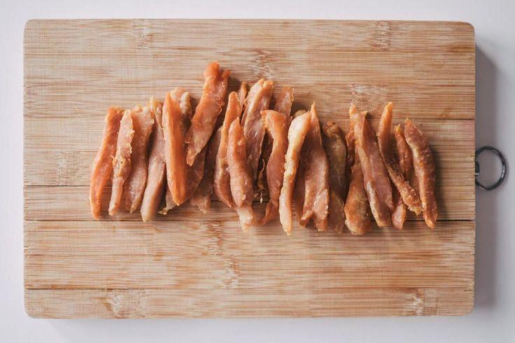"""Wir haben bei """"Herrchen kocht"""" das Rezept für knusprige Hähnchenstreifen  gefunden. Ob sie etwas geworden sind, lest ihr hier!"""