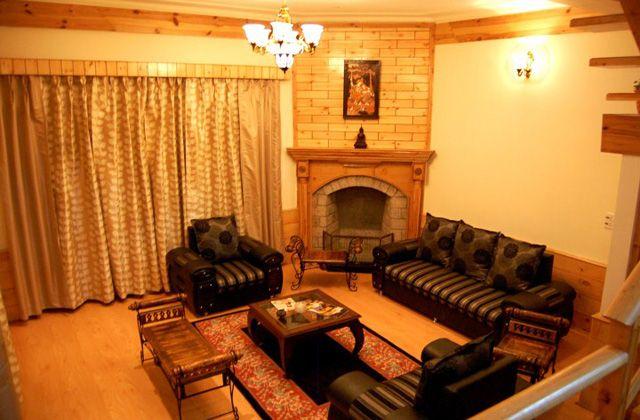 2 & 3 Bedroom Pine Wood Cottages in Main Manali - Find a large selection of handpicked Cottages for renting in Kasauli, Mussoorie, Shimla, Manali, Nainital, Mashobra, Ranikhet, Bhimtal, Lansdowne, Ranikhet, Dalhousie, Gangtok, Hill Stations around Delhi,Pet friendly hotels,pet friendly cottages near delh