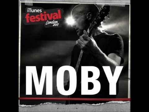 Moby - Extreme Ways (iTunes Festival London 2011) - YouTube