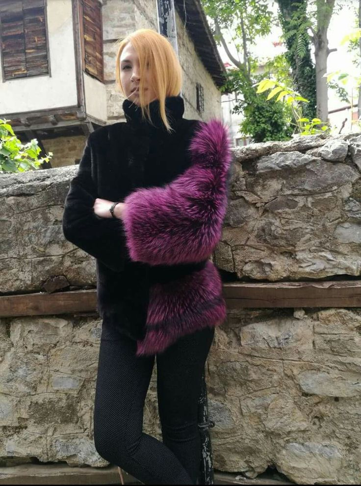Fashion is an instinct.Black Nafa mink & Fox fur jacket