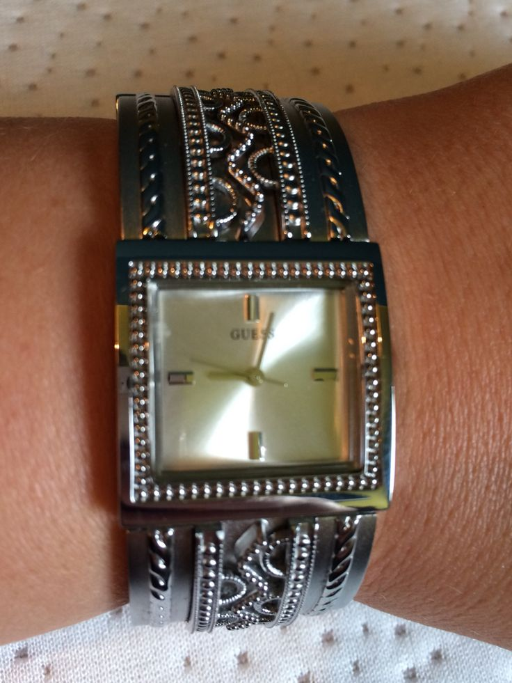 Guess bracelet silver design watch