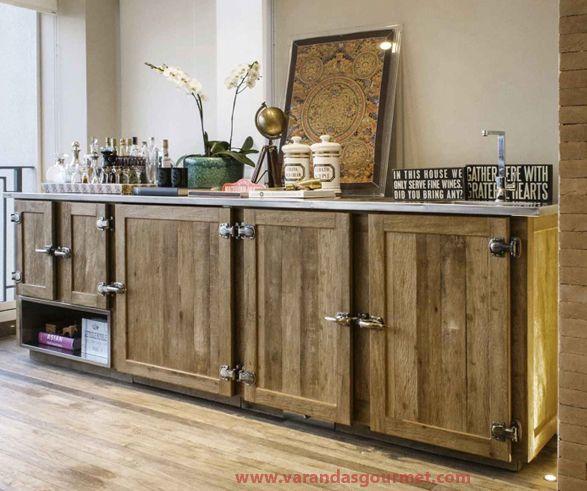Projeto Triplex - Balcão refrigerado em madeira de demolição - Varandas Gourmet
