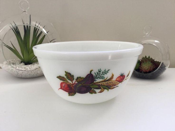 Vintage JAJ Pyrex 'Market Garden' Bowl - $10