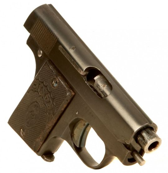 Singer Patent pistol  Finished by Singer Corporation in Elizabeth, New Jersey c.interwar era - serial number 64689. .25ACP 6-round removable box magazine, blowback semi-automatic. An FN 1905 analog, this pistol was the child of the Singer corporation which up till now had mainly manufactured sewing machines, with a brief gig making Colt 1911 during WW1.