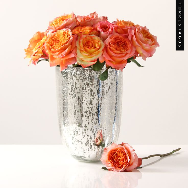 What an elegant way to say I LOVE YOU!  Surprise your sweetheart on Valentine's Day with a gorgeous bouquet of Roses in one of our handcrafted Sira Vases.  #TorreAndTagus #ValentinesDay #Love #FlowerVase www.torretagus.com
