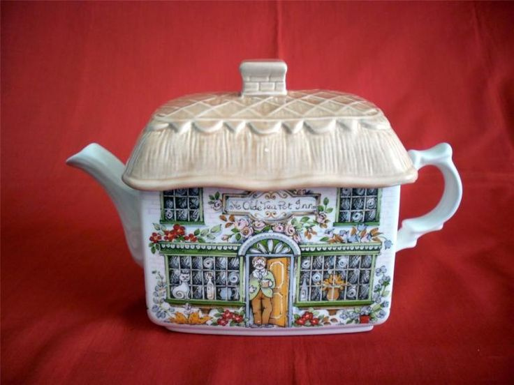 "VINTAGE JAMES SADLER TEAPOT "" YE OLDE TEA POT INN "" 